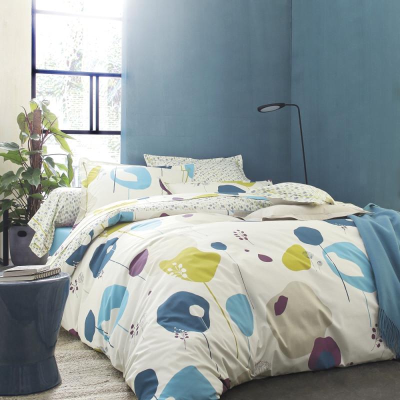 mobile bleu parure de lit de blanc des vosges linge mat. Black Bedroom Furniture Sets. Home Design Ideas