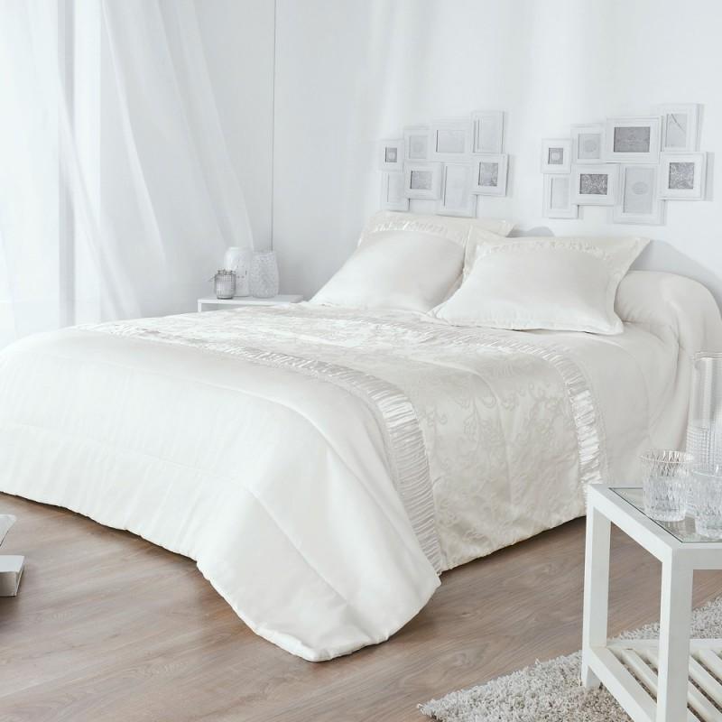 venise jet de lit matelass avec taies d 39 oreillers de linder linge mat. Black Bedroom Furniture Sets. Home Design Ideas