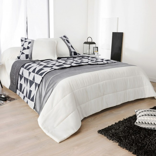 bingo jet de lit matelass avec taies d 39 oreillers de linder linge mat. Black Bedroom Furniture Sets. Home Design Ideas