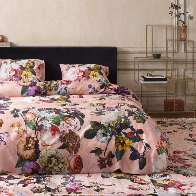 fleur rose parure de lit en satin de coton de essenza linge mat. Black Bedroom Furniture Sets. Home Design Ideas